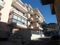 Appartamento con spazio esterno semi indipendente al piano terra a Pace del Mela in Affitto / vendita